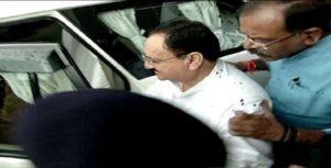 केंद्रीय स्वास्थ्य मंत्री जेपी नड्डा पर भोपाल में एम्स के छात्रों ने फेंकी स्याही!