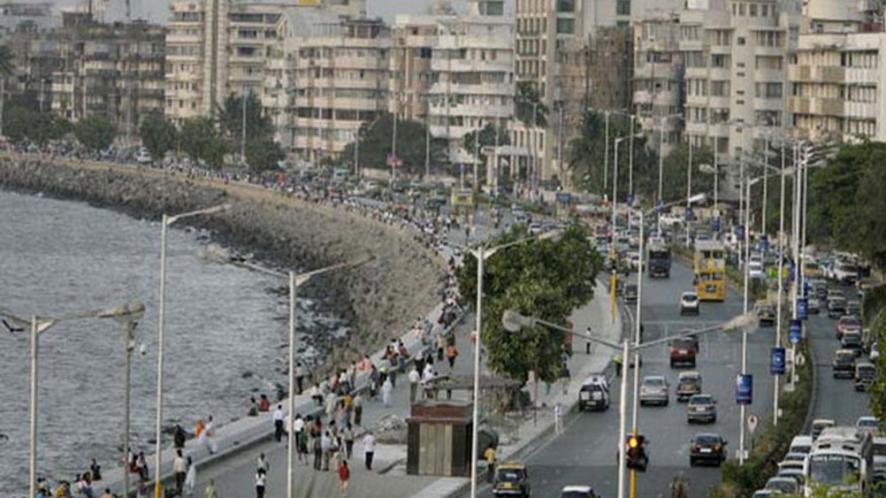 मिलिंद देवड़ा: जनता के द्वारा चुना गया मेयर ही मुंबई को 'गड्ढे' से निकाल सकता है