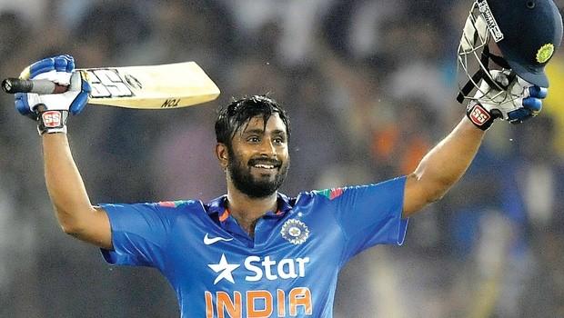 क्रिकेटर अम्बाती रायुडु ने की सीनियर सिटीजन से हाथापाई, मामला दर्ज